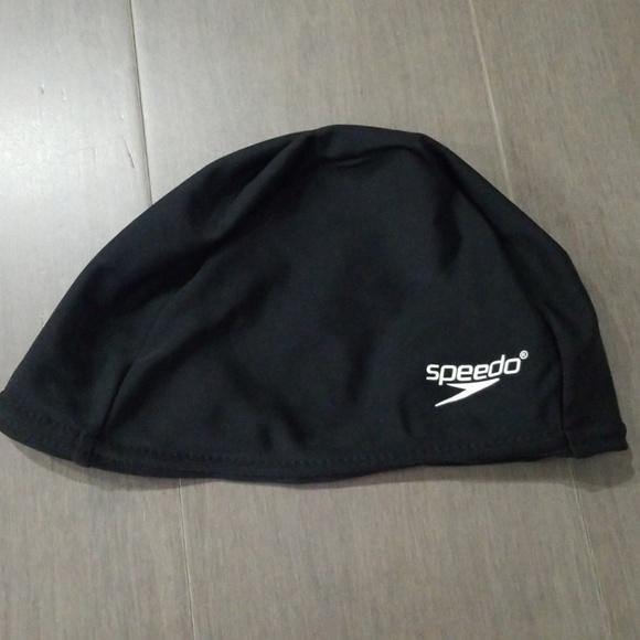 Kids Swimming hats. NWT. Speedo bfafff9c71b2